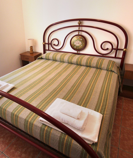 B b camera caf 2 bed and breakfast santa maria al bagno - Camera cafe santa maria al bagno ...